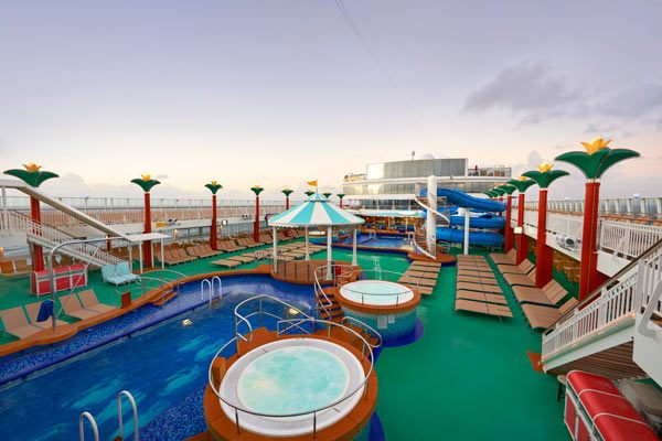 ncl_Gem_Tahitian-Pool-Deck